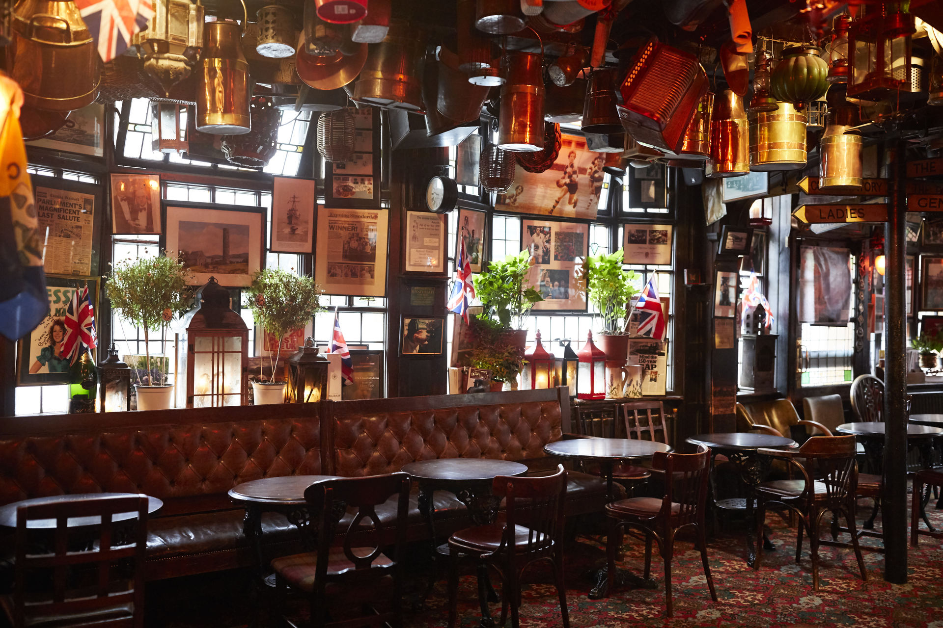 The Churchill Arms - Fuller\'s Pub and Restaurant in London